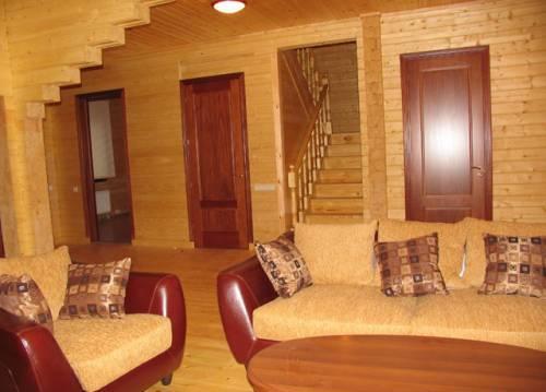межкомнатные двери для деревянного дома