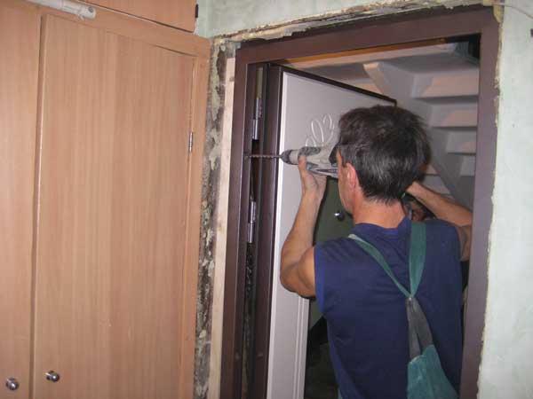 Способы установки  дверной коробки