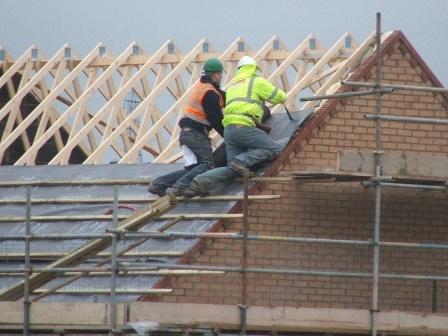 обустройство двускатной крыши
