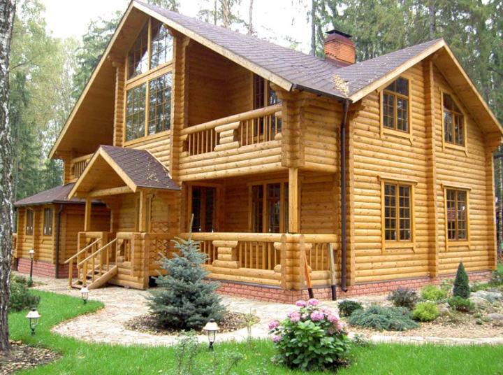 Строительство дома из натурального дерева